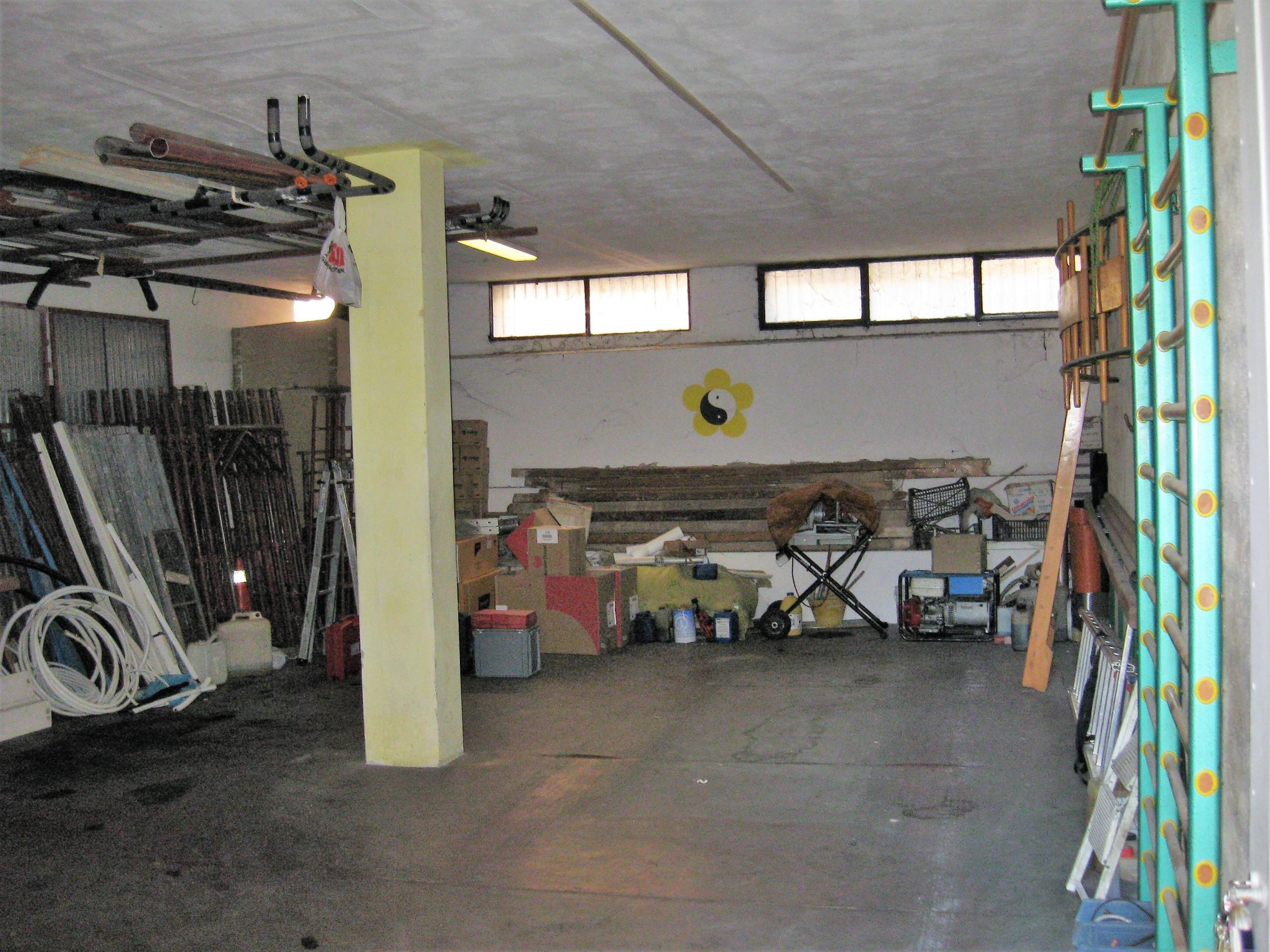 Ufficio Open Space Quartucciu : Codice 946 deposito con ufficio in vendita a quartucciu welchome