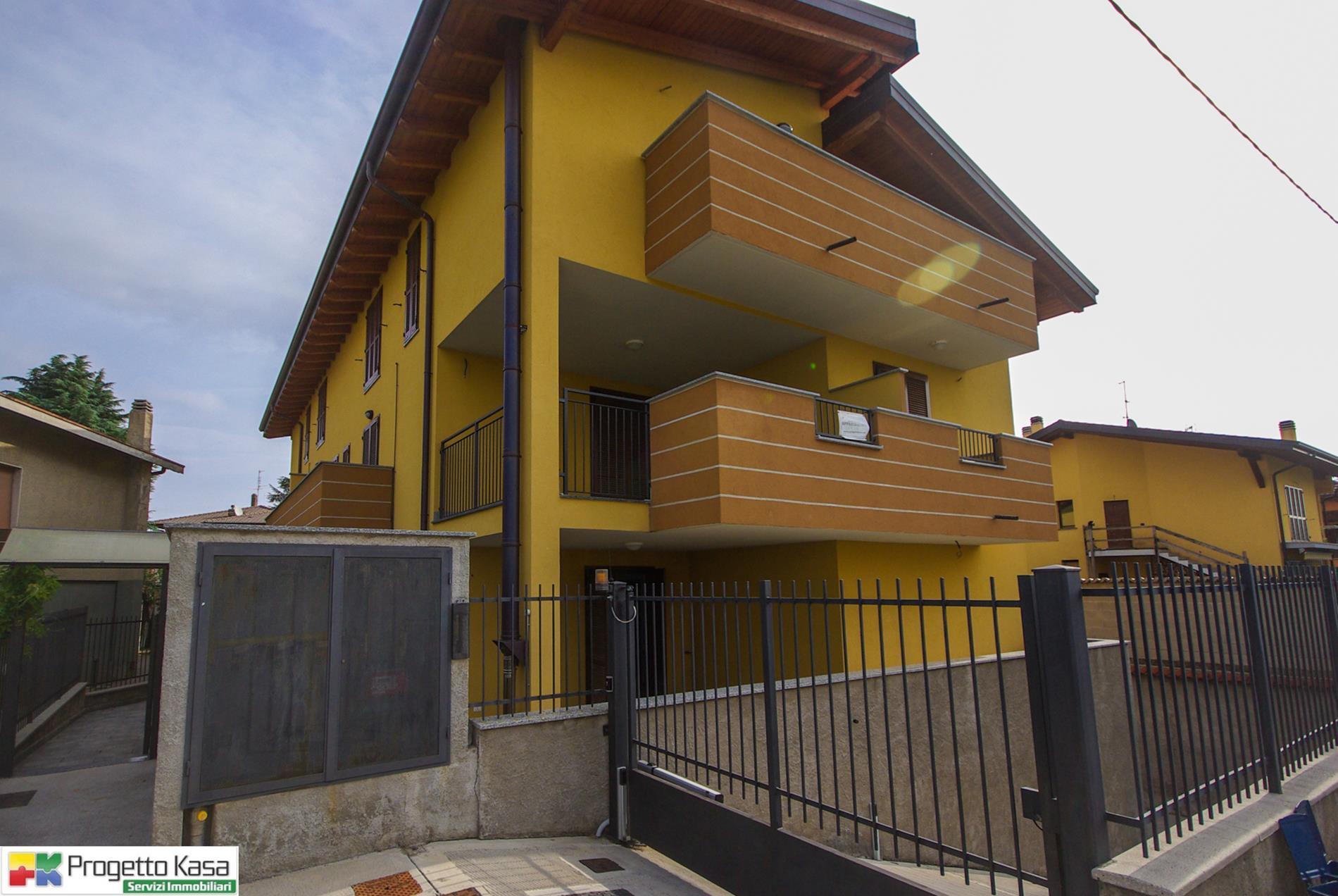 Codice A151 Appartamento, 3 Locali Vendita<wbr> a Mozzate ...
