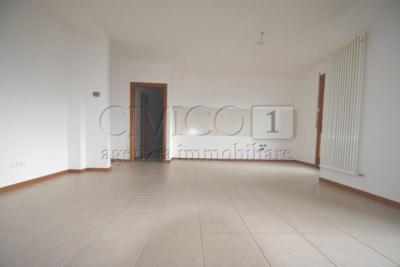 Appartamento in buone condizioni in vendita Rif. 9966120