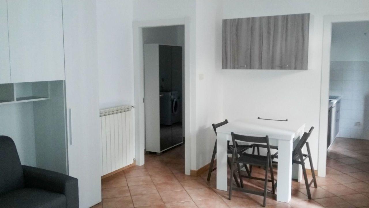 Appartamento in affitto a Somma Lombardo, 1 locali, prezzo € 400 | PortaleAgenzieImmobiliari.it