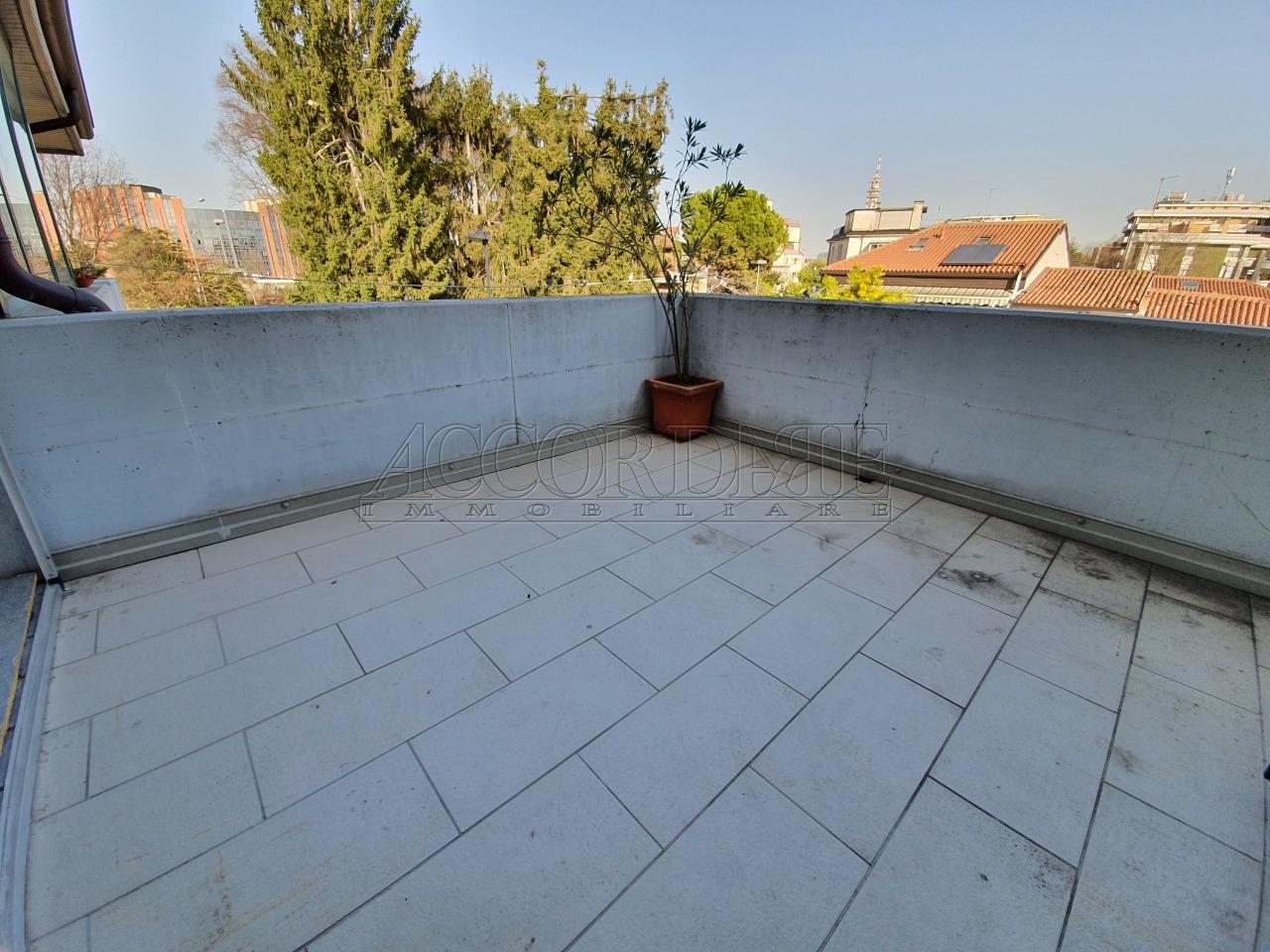 Appartamento in vendita a Padova, 7 locali, prezzo € 265.000 | PortaleAgenzieImmobiliari.it