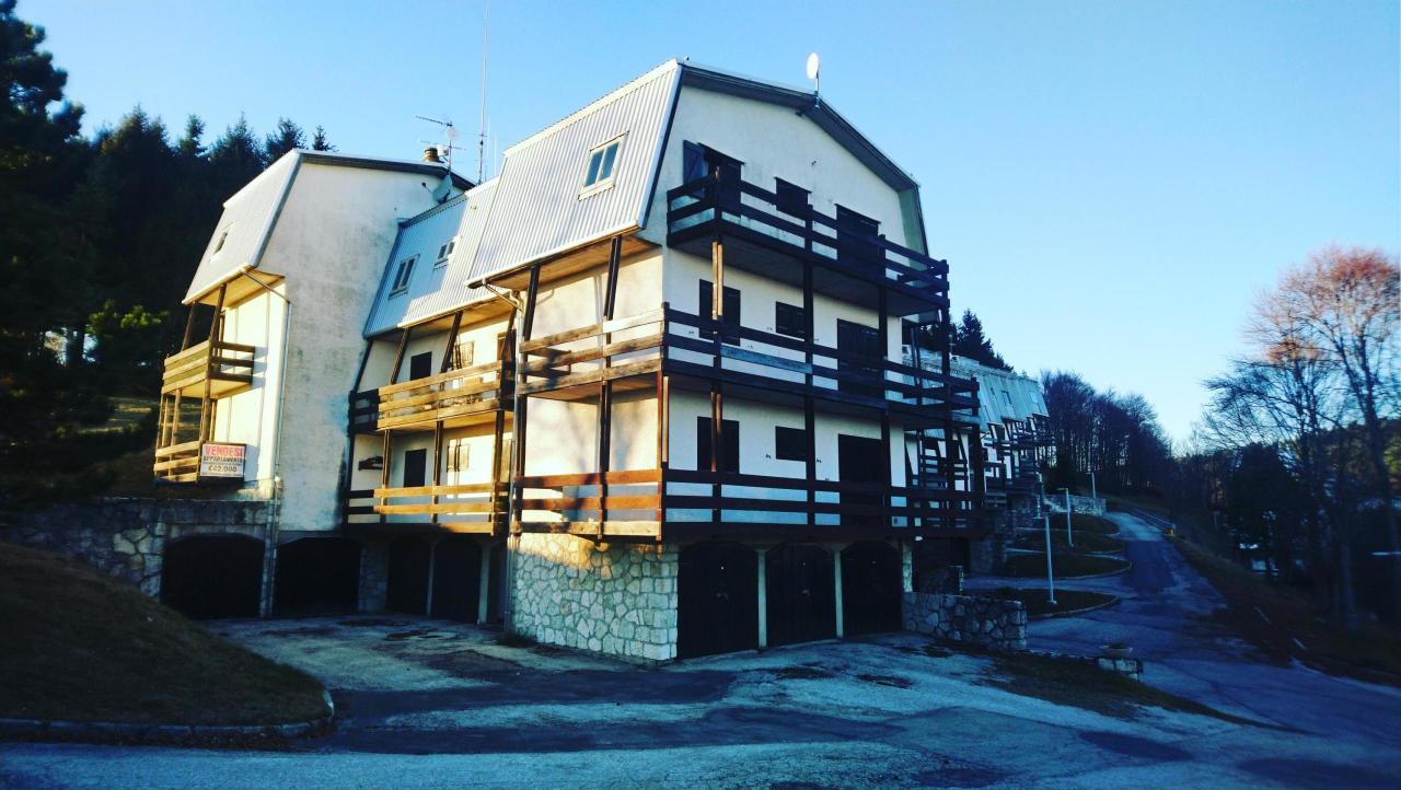 Appartamento da ristrutturare arredato in vendita Rif. 8971575