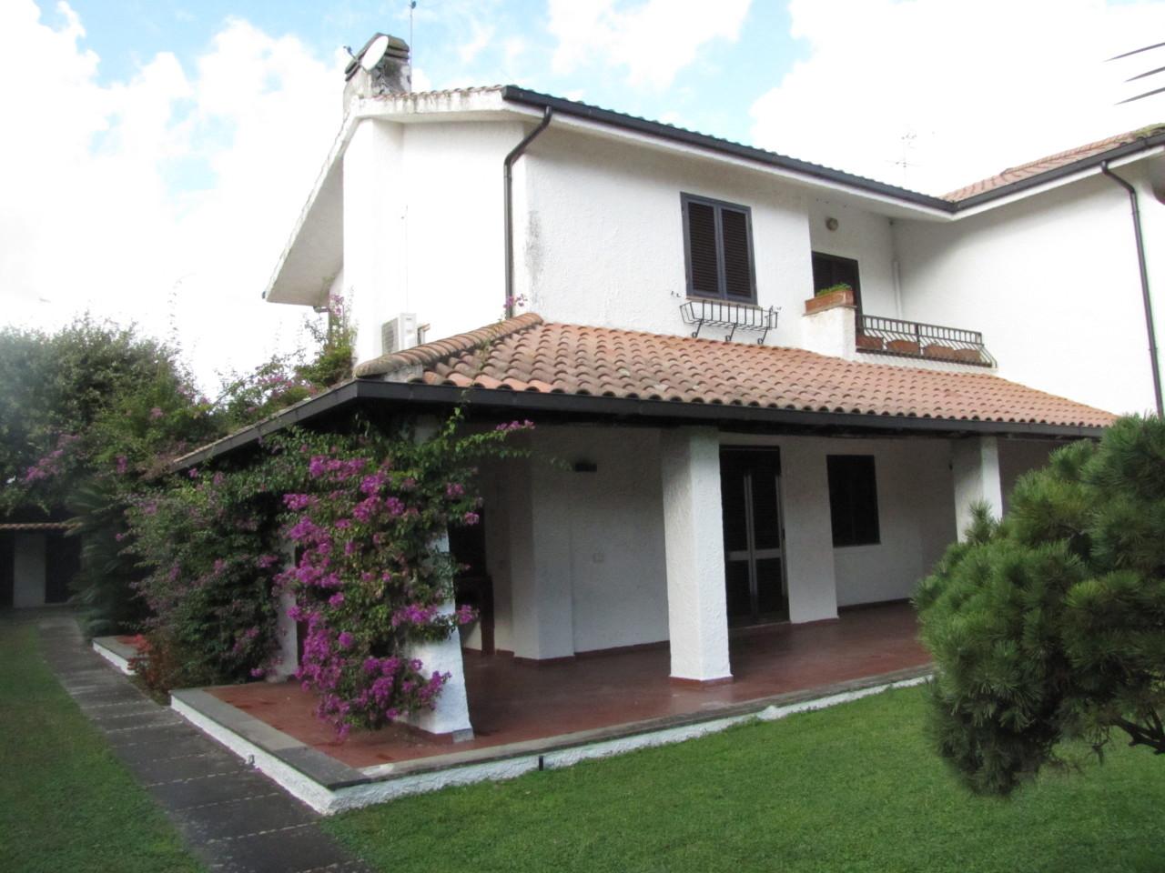 Villa in ottime condizioni in vendita Rif. 8637930