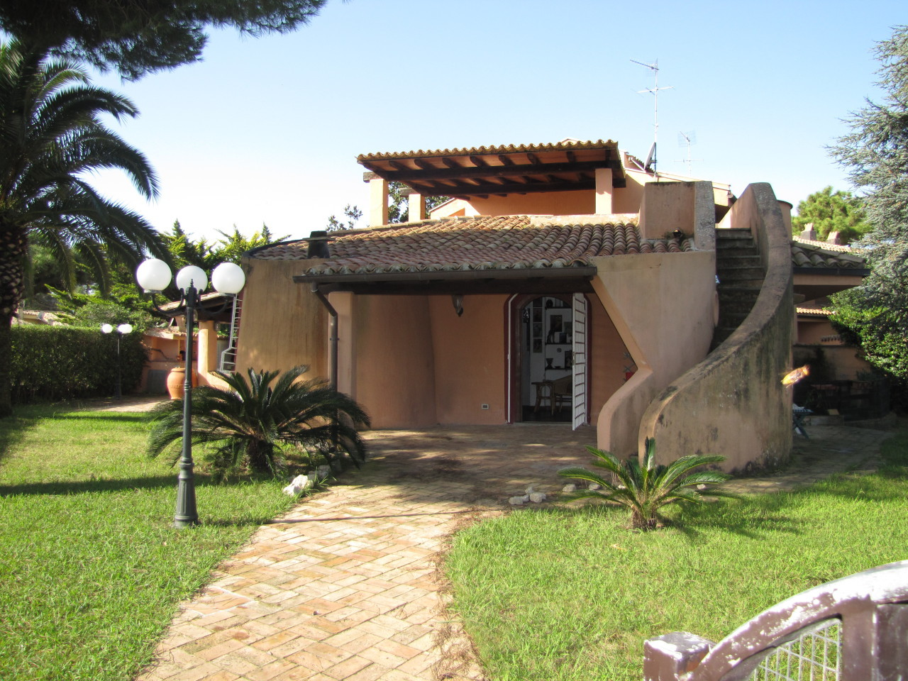 Villa in buone condizioni in vendita Rif. 4162612