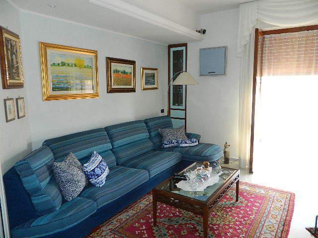 Appartamento in vendita a Sarzana, 4 locali, prezzo € 270.000 | PortaleAgenzieImmobiliari.it
